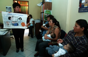 Picture of mothers with their babies from Peru participating in a parent education class.